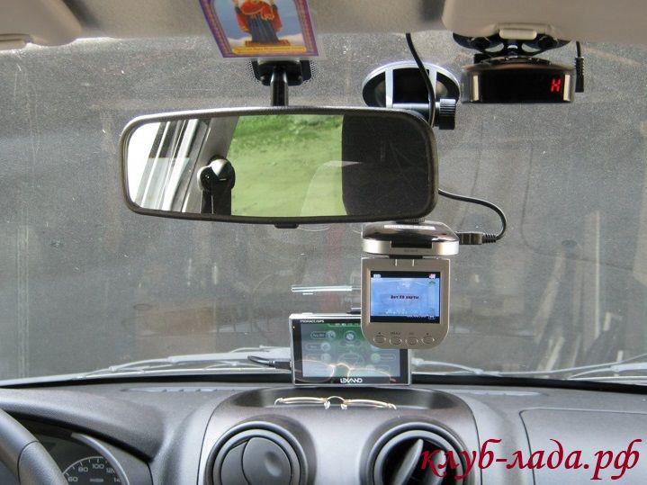 Подключение видеорегистратора, антирадара или навигатора в Гранту