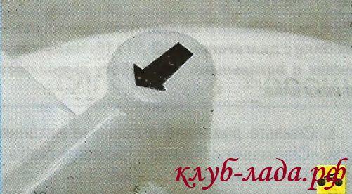 стрелки на штуцерах бензонасоса Калины