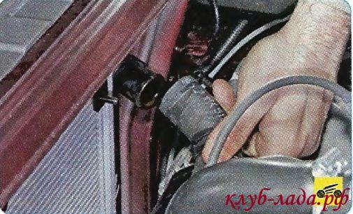 Снять шланг с патрубка радиатора гранты/калины
