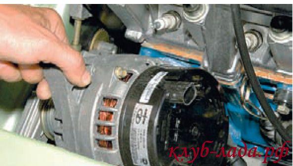 Снять генератор Калины