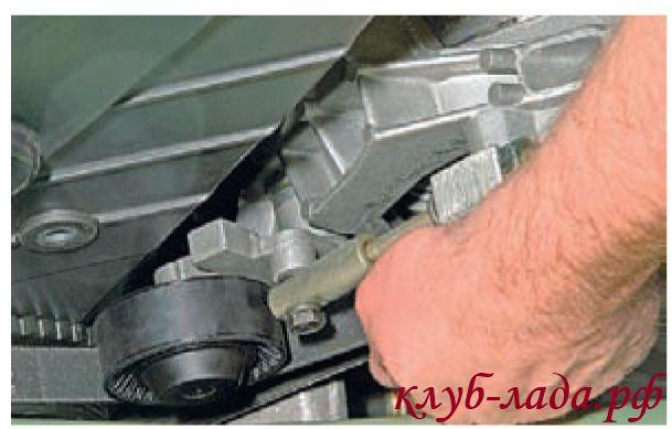 проверка натяжения ремня генератора калины