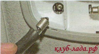 отрезок резинового шланга подходящего диаметра