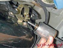 Замена топливного фильтра Калины