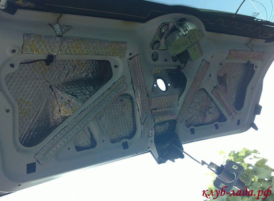 Шумоизоляция крышки багажника Калины.