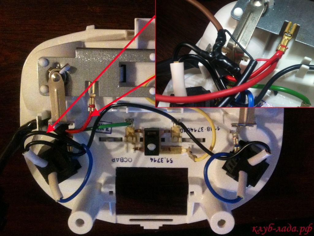 подключение видеорегистратора Калина 2 к плафону салона
