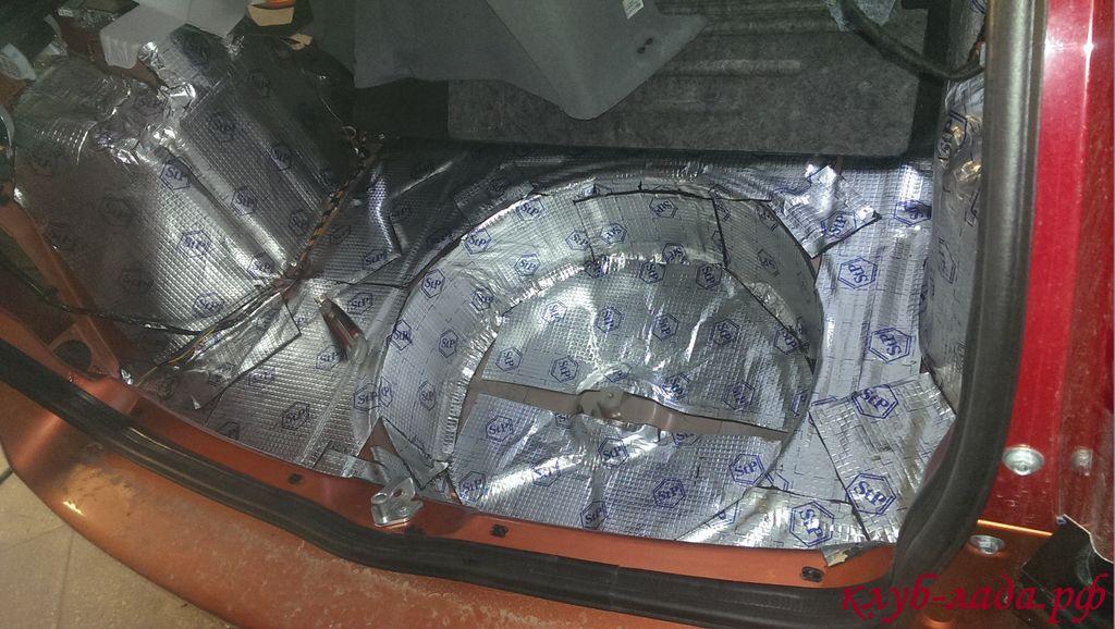 Первый слой шумоизоляции багажника калина 2