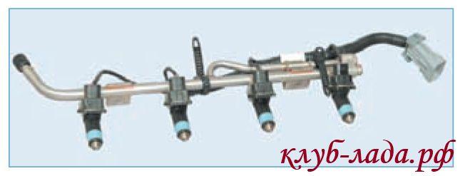 Топливная рампа в сборе с форсунками и жгутом проводов