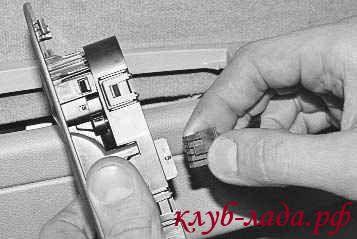 отсоедините разхем с проводами от модуля управления ЭСП