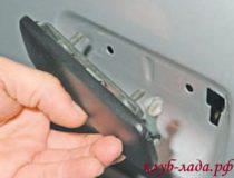 Снятие внешней ручки двери Приоры