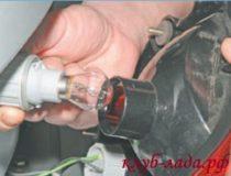 Замена ламп в фарах Лада Приора