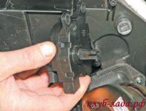 Снятие и установка моторедуктора заслонки отопителя Приоры