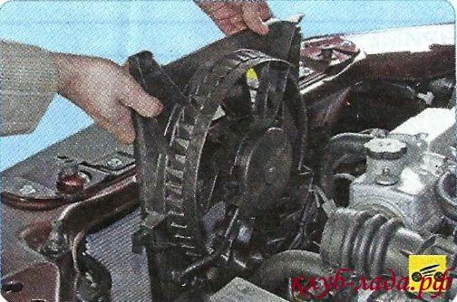 Снять вентилятор охлаждения двигателя приоры/калины/гранты