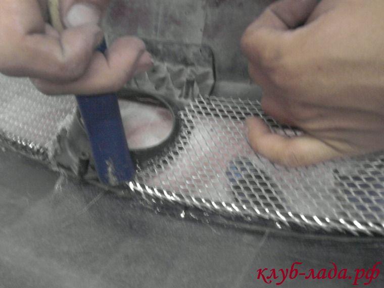 Установка сетки в бампер Приоры