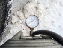 Зимняя шина спускает из-под шипа. Возможные причины